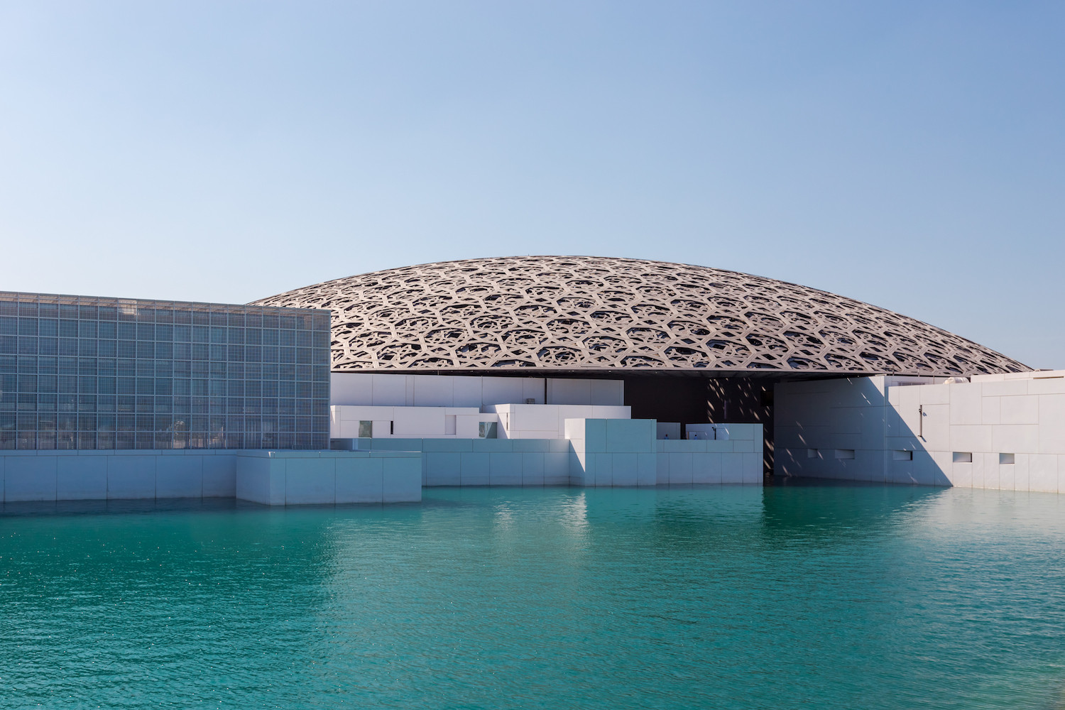 Seeing the Louvre Abu Dhabi in another light: Is it exhibiting loot from Iraq?